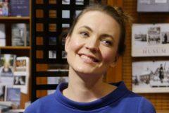 Amelie Müller bei der Video-Aufnahme in der Schlossbuchhandlung, Husum www.schlossbuch.com